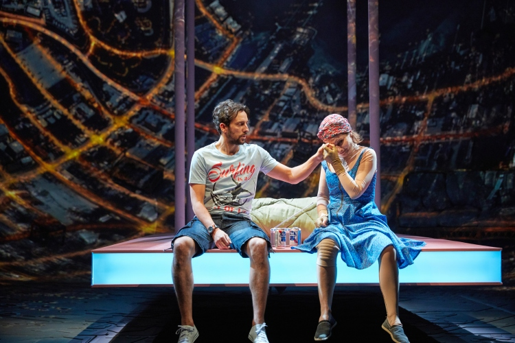 Ugly Lies the Bone at the National Theatre. l-r Ralf Little (Stevie) and Kate Fleetwood (Jess) Photo by Mark Douet _D4A1037