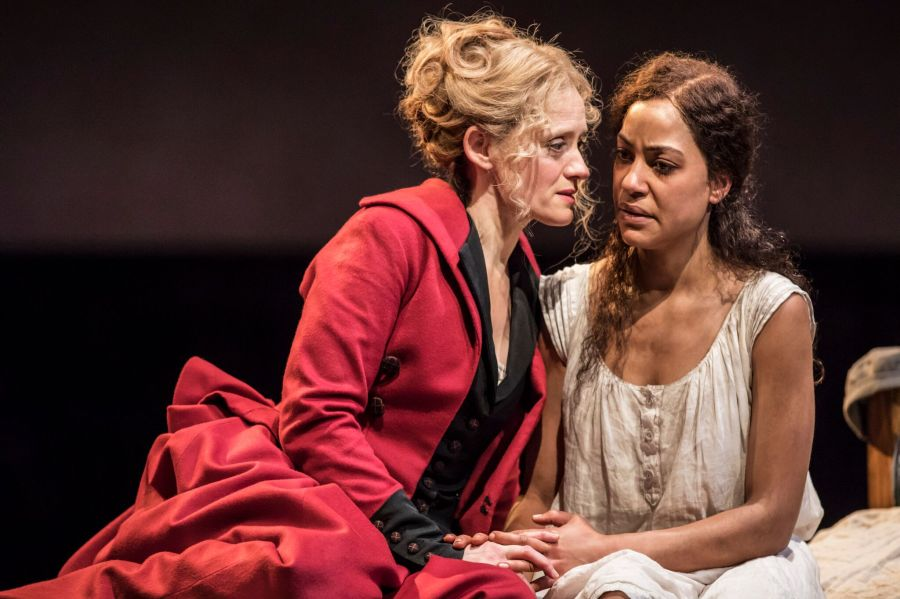 6204 Anne-Marie Duff (Mary) and Cush Jumbo (Laura) in Common at the National Theatre (c) Johan Persson